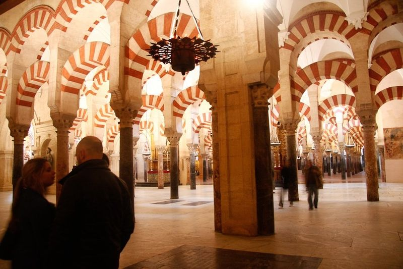 C) Mezquita
