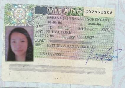 Can I work with a student visa in spain?