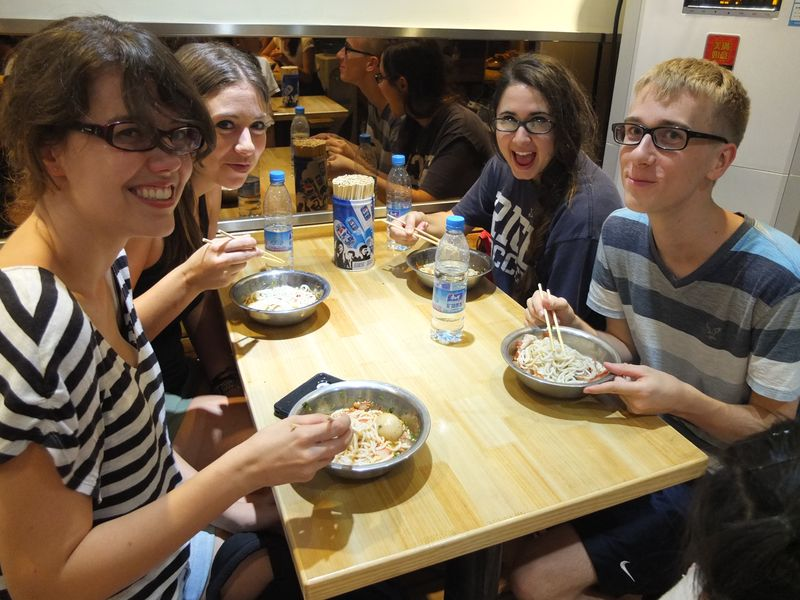 experiencing Guilin rice noodles, a local specialty!