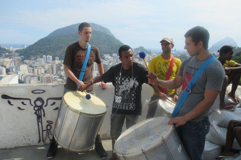 Percussion lesson in Santa Marta