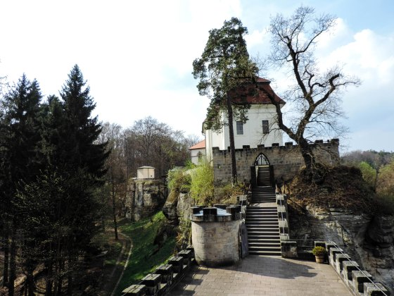Sychrov-and-valdstejn-castle-2842