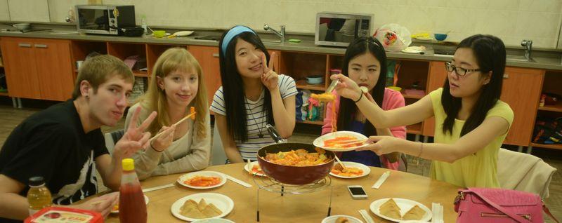 SeoulMates cooking