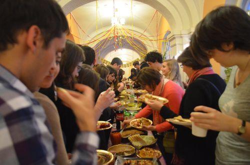 2 Thanksgiving, dinner