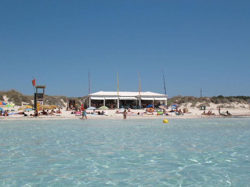 Es-trenc-beach-bar
