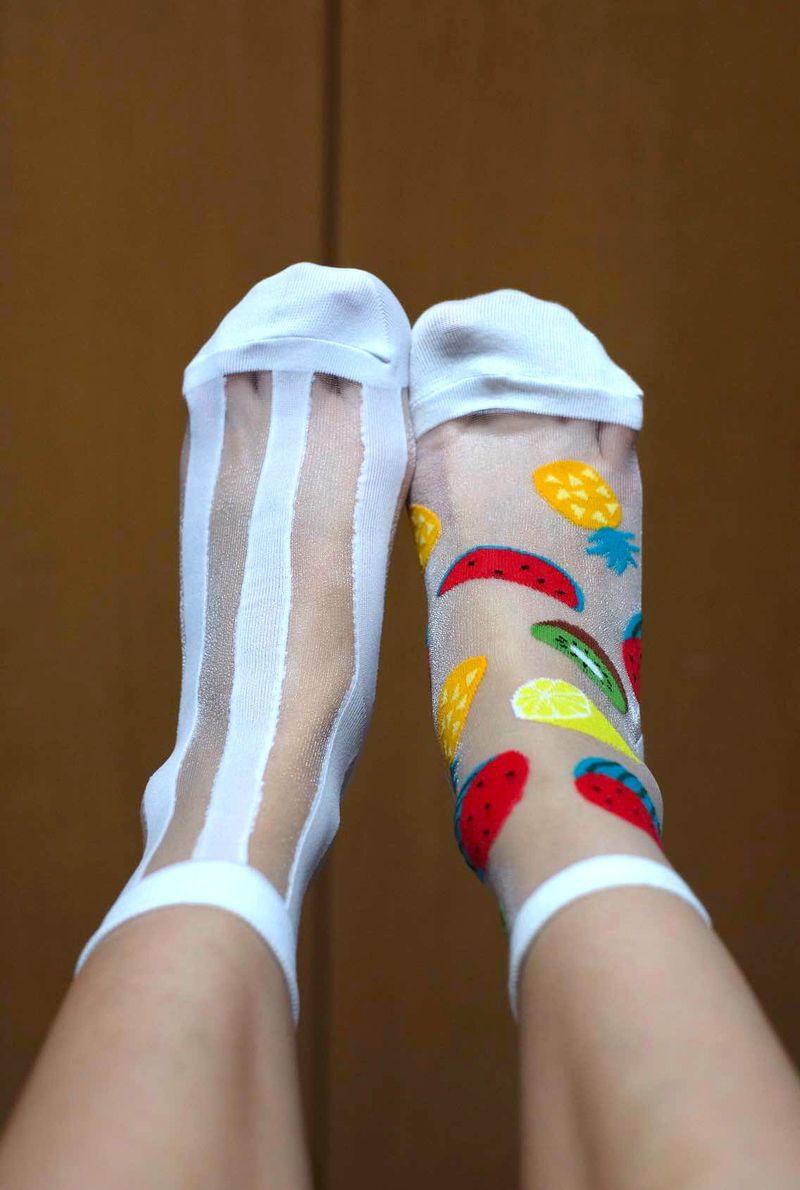 Lifted socks
