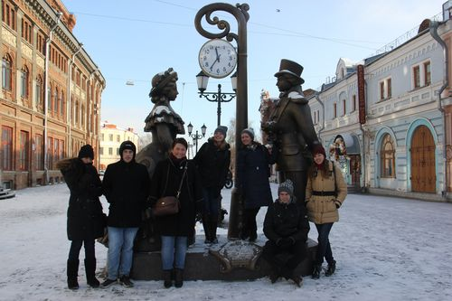 20. Sightseeing on the first day in Kirov, near the Vyatka embankment (with local European Volunteer