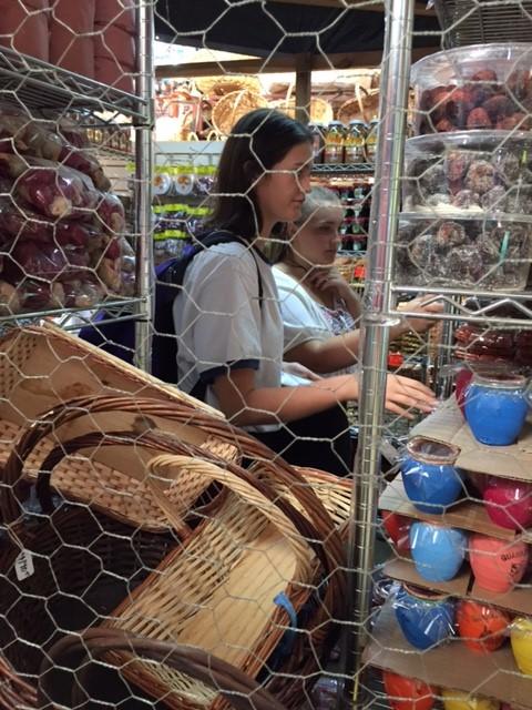 INT market (2)